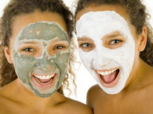 Facial-Mask-girls-laughing